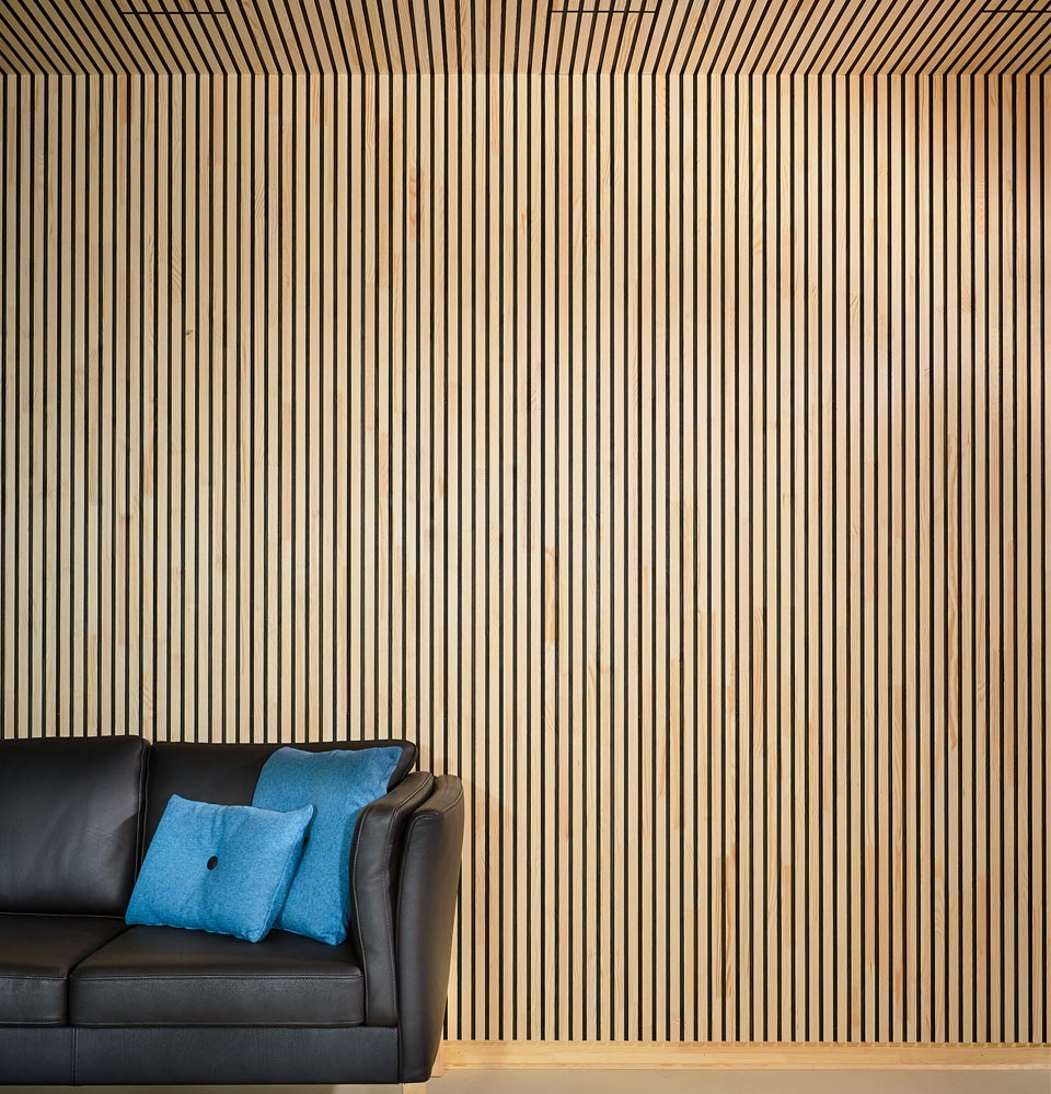 Wall and ceiling covering of solid wood (NORTO Bech)