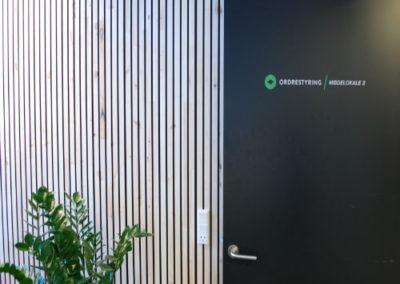 NORTO Bech vægbeklædning, 41 mm. Mødelokale hos Ordrestyring, København