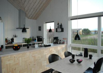 NORTO Leth vægdekoration. Køkken i sommerhus.