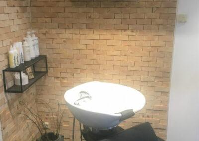 NORTO Skov 135 vægdekoration i frisørsalon