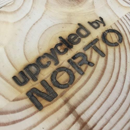 Upcycled by NORTO brændemærke
