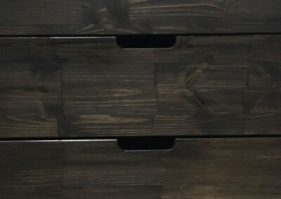 Kitchen front of solid wood treated with black oil and grip