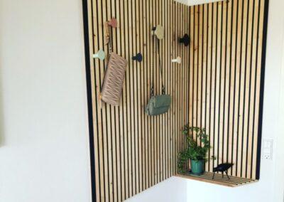 NORTO Bech vægpaneler som garderobeløsning i privat entre