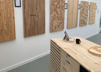 NORTO showroom med vareprøver til vægge og køkken-ø