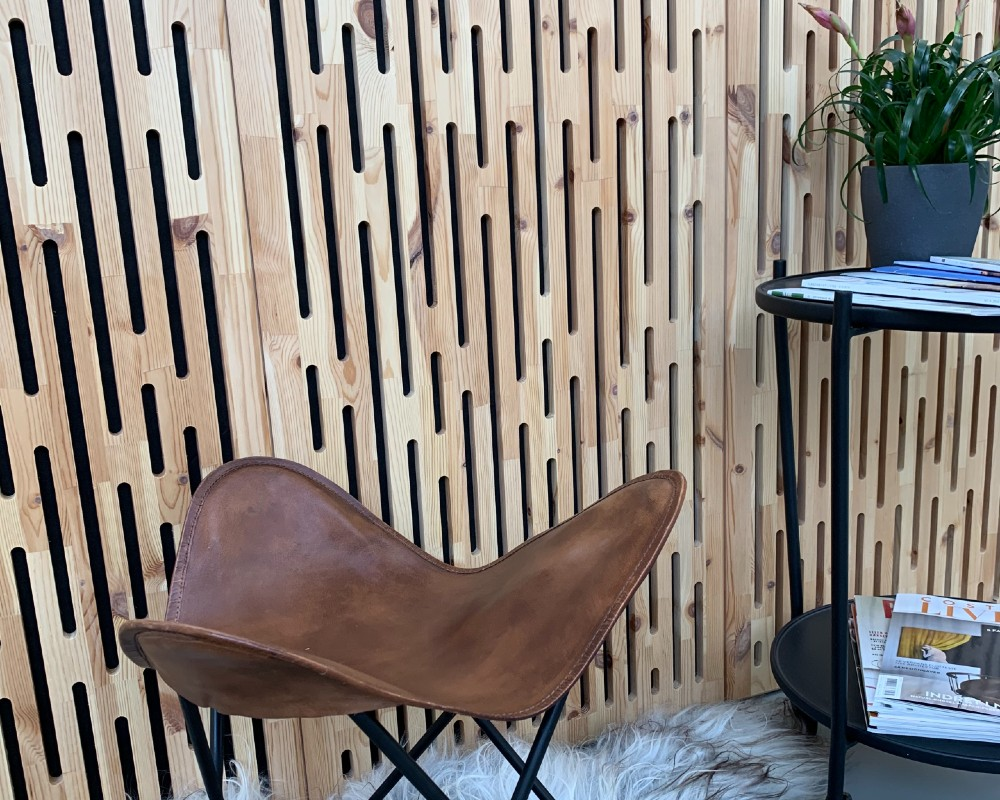 NORTO Toft akustikpanel i resttræ som vægbeklædning