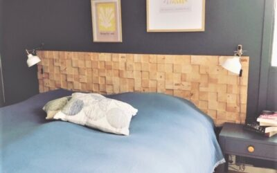 Indret soveværelset med bæredygtige sengegavle